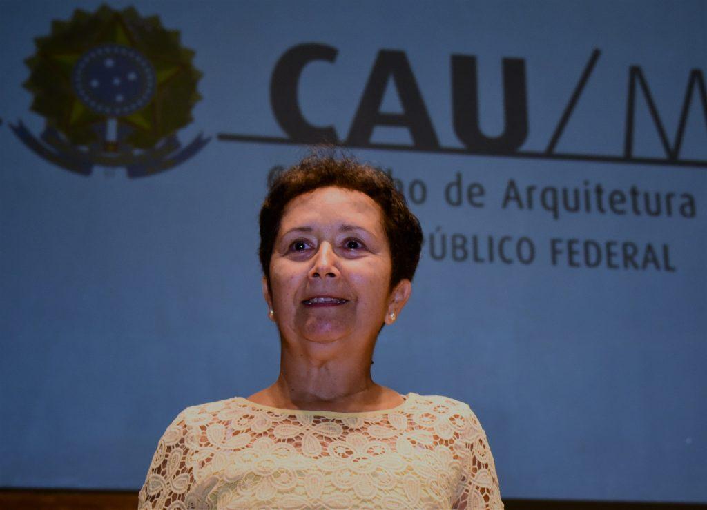Descrição: http://www.cauma.gov.br/wp-content/uploads/2016/05/Ana-Eliza-1024x739.jpg