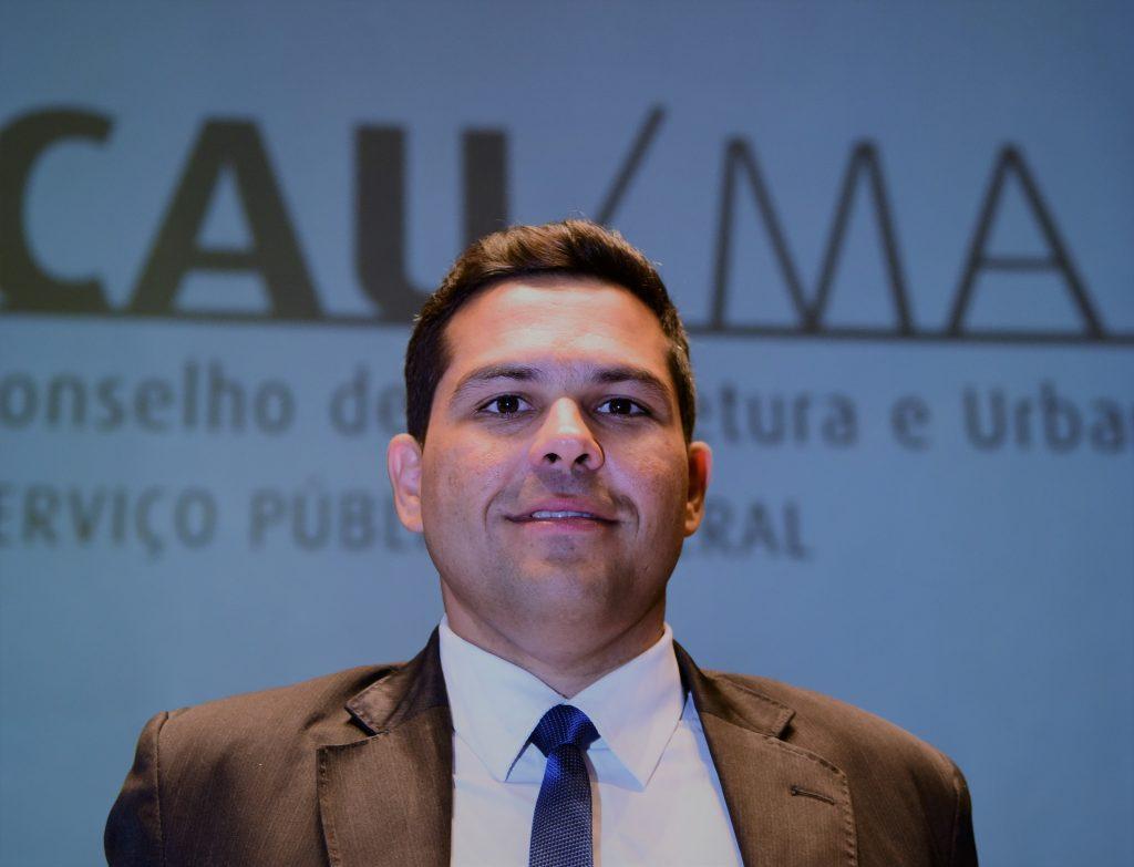 Descrição: http://www.cauma.gov.br/wp-content/uploads/2016/05/marcio-1024x783.jpg